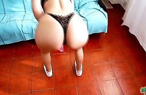 Most INCREDIBLE ASS Teen Twerking in Thong and Shorts OMG