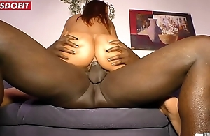 Desperate German Housewife can'_t stop Fucking
