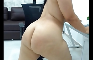 Colombian Curvy Girl Showing Her Body Found At Myprivatecamera.live